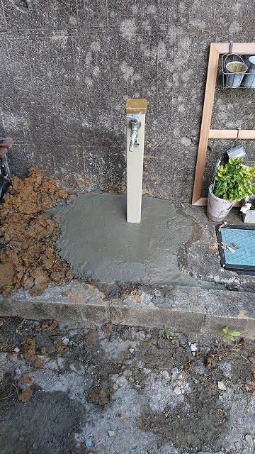 水道管を修理後コンクリート復旧